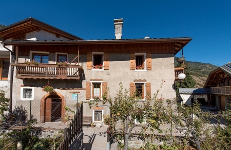 Large Capacity Cottage Near Slopes of Montalbert-la Plagne, Paradiski Ski Area