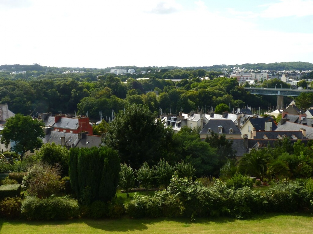 Character 2 Bedroom Holiday House in Douarnenez, Brittany, France