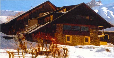 Savoyard Holiday Farmhouse Rental at the foot of Aiguilles d`Arves, France - L'Auberge