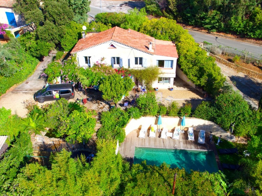 Large La Croix-Valmer Holiday Villa with Heated Pool, Near The Sea, Var, Provence