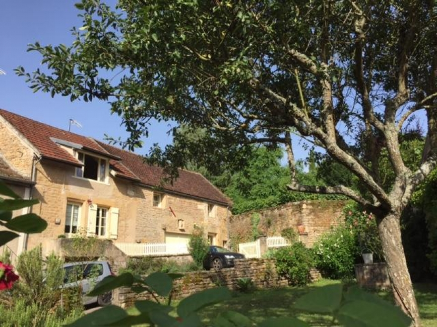Holiday Gite to Rent in Montreal, Burgundy, France - Gite Petit Crème