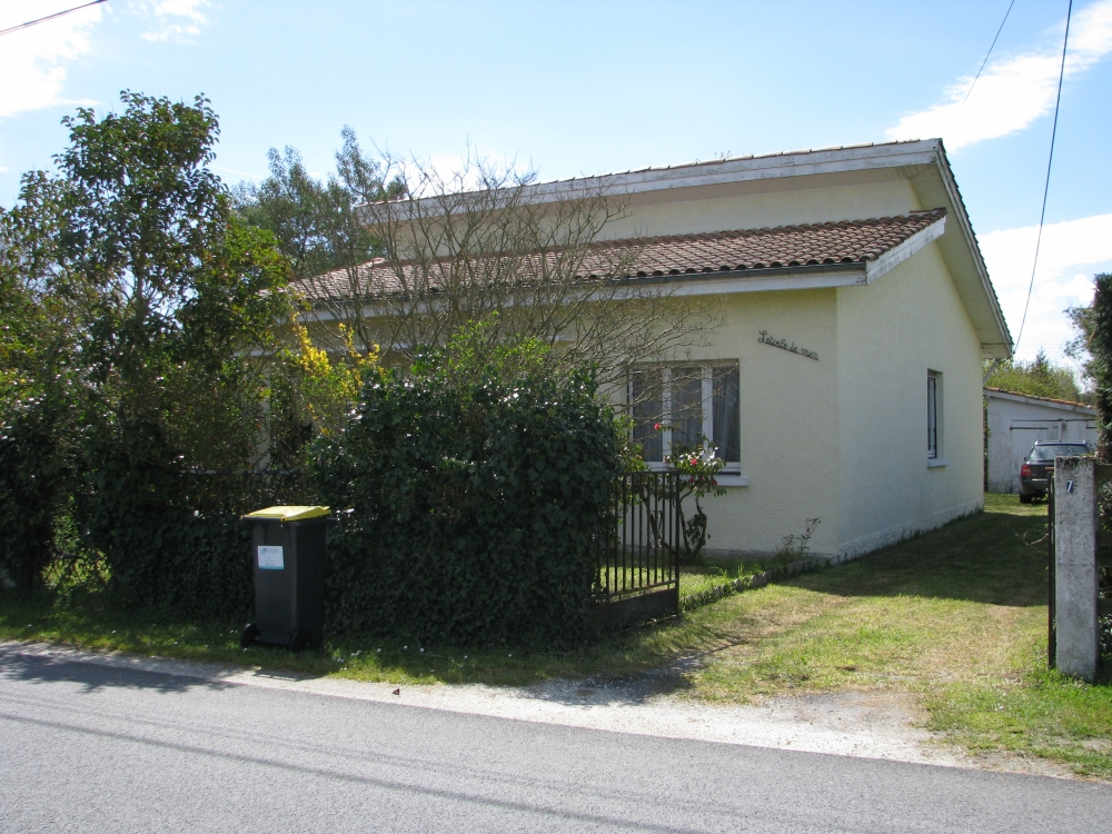Spacious 3 Bed Bungalow in South West France - L'Etoile de Mer