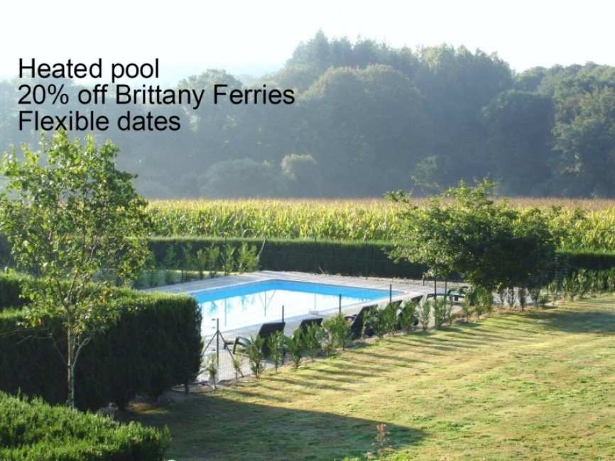 Farmhouse Holiday Rental With Pool, Ploerdut, Morbihan, France - La Chaumiere