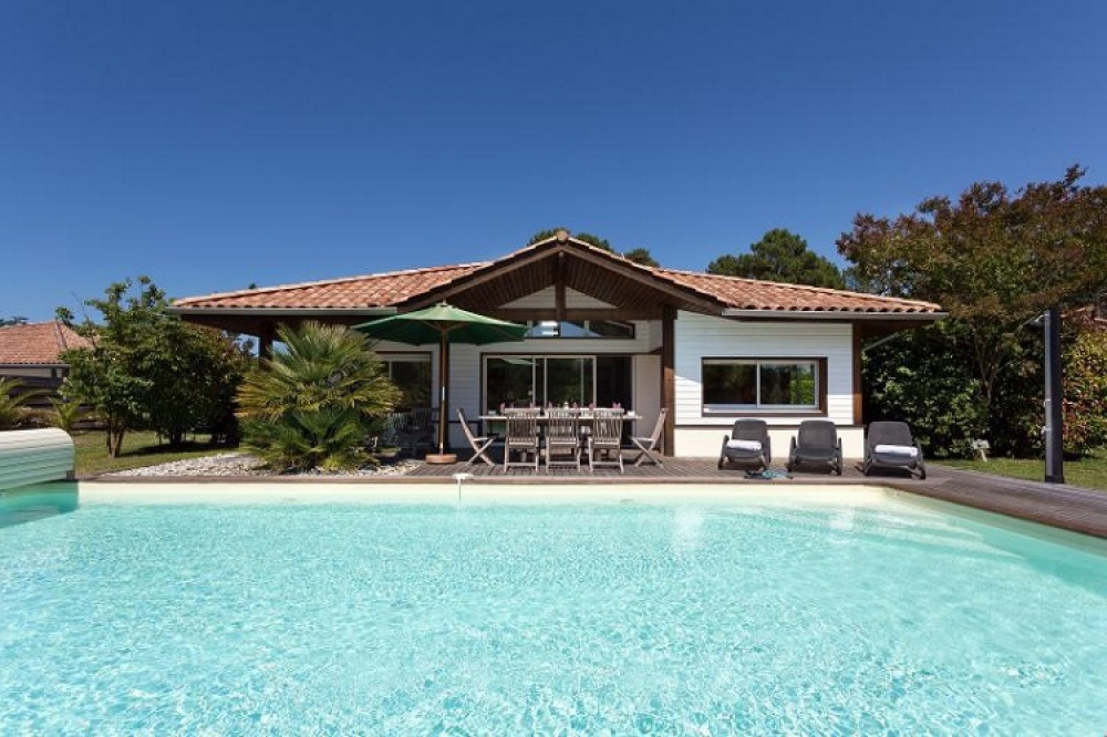 2-bedroom villa with private pool on La Prade domain, Moliets, Aquitaine, South West France