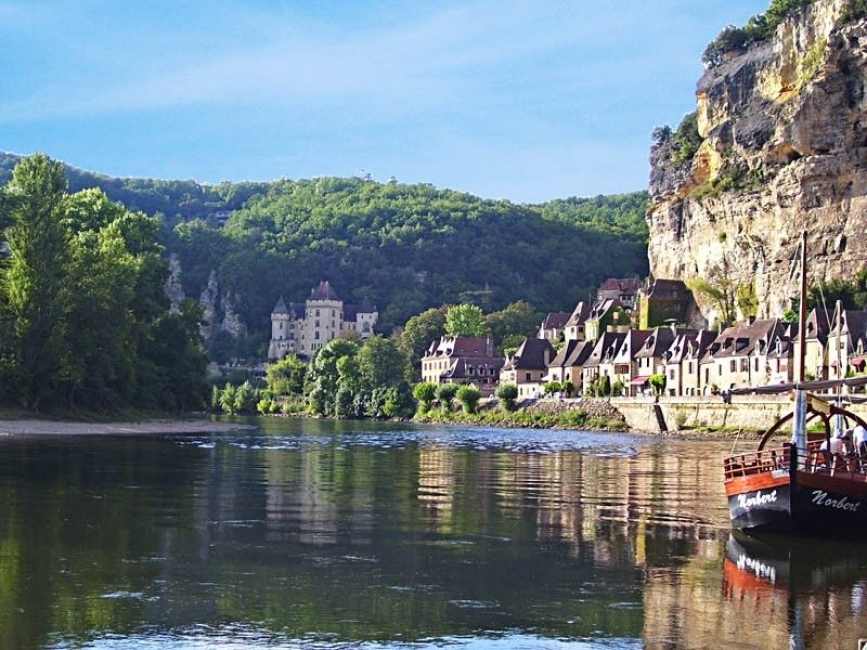 La Roque-Gageac Holiday Farmhouse Rental with Pool, Dordogne, France