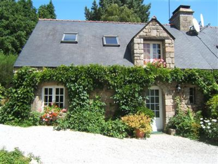 Beautiful 2 Bedroom Country Cottage with Heated Pool, Ty Glycine, Morbihan, Brittany, France, Sleeps 4