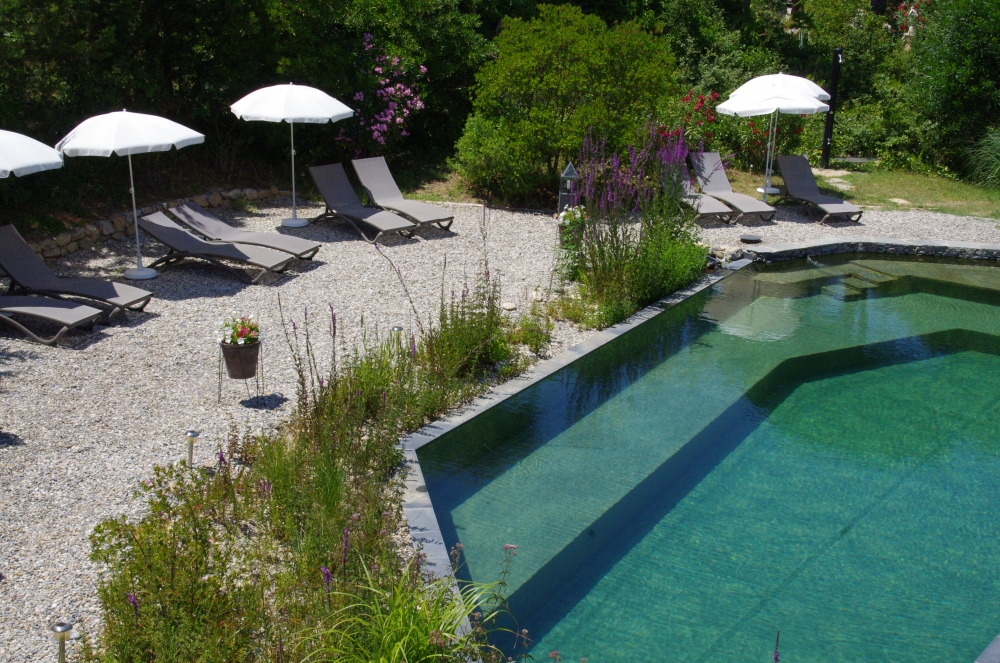Villa les Hesperides, Holiday apartments with natural swimming pool