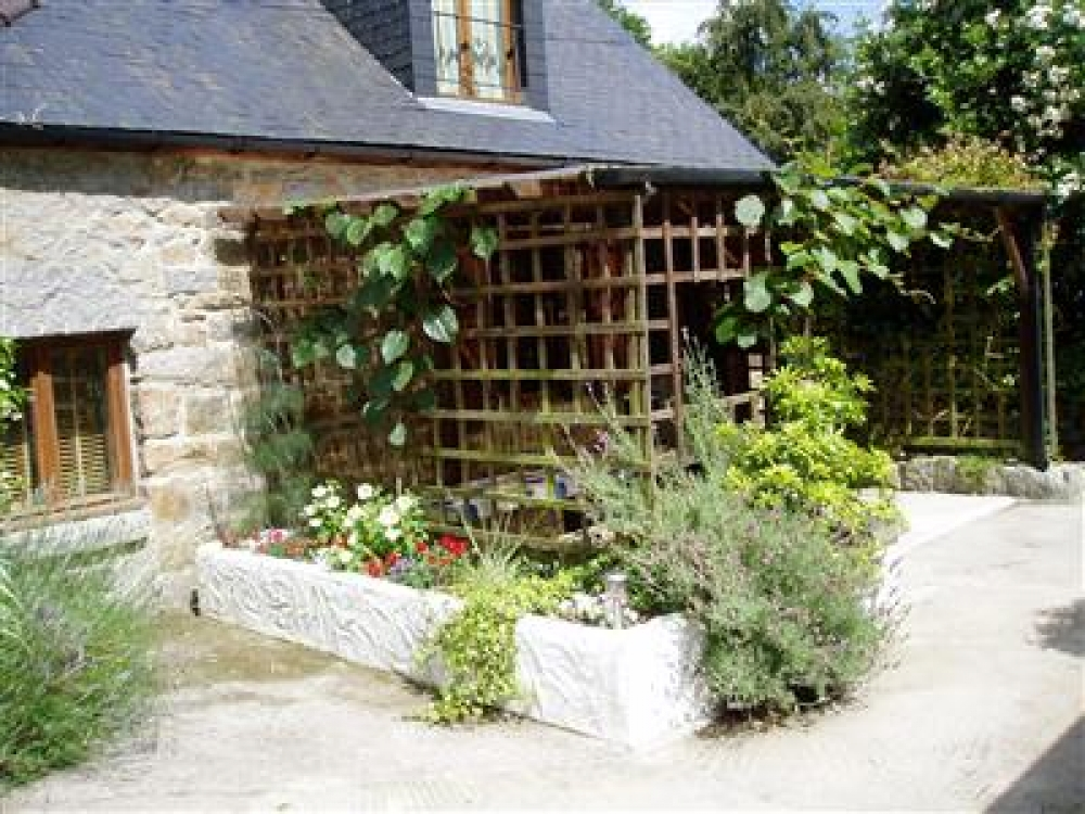 Traditional Stone Brittany Farmhouses with Half Hectare of Land in Louvigne du Desert, Ille-et-Vilaine - Le Laurier Cottage