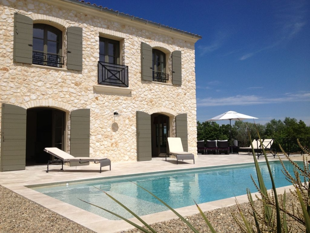 Uzes Holiday Rental Villa with Private Pool and Garden, Great Views