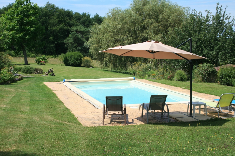 Peaceful, Rural Gite with Pool in Perigord Natural Park, Dordogne