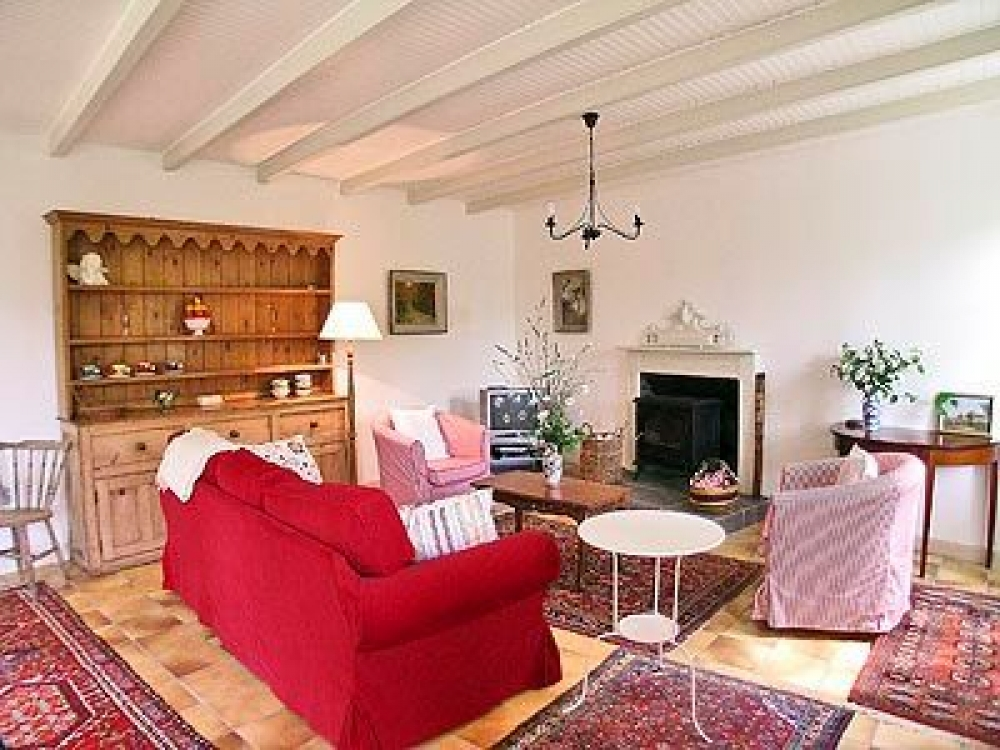 Holiday Rental in Morbihan, Brittany - Extremely Well appointed Cottage in Picturesque and Peaceful setting - St. Vincent