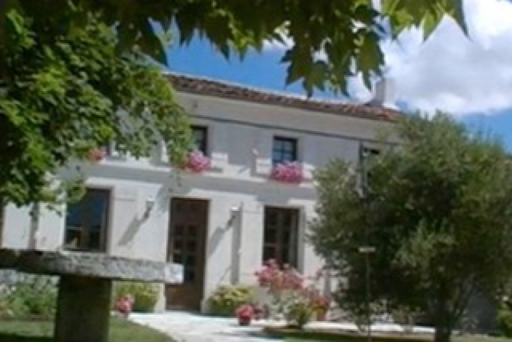 Charenre Maritime Holiday Rental Cottages with Pool, France - Bambou Bosquet
