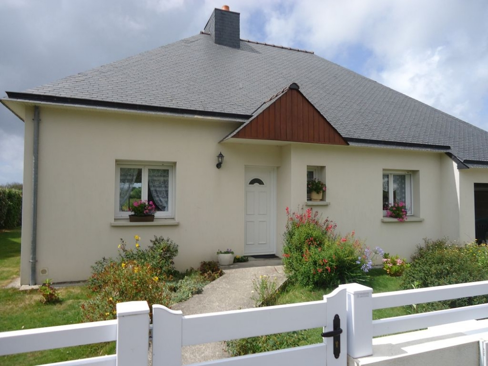 Holiday Rental Villa in Ploemeur, Morbihan, Brittany - 300 Metres to Beach