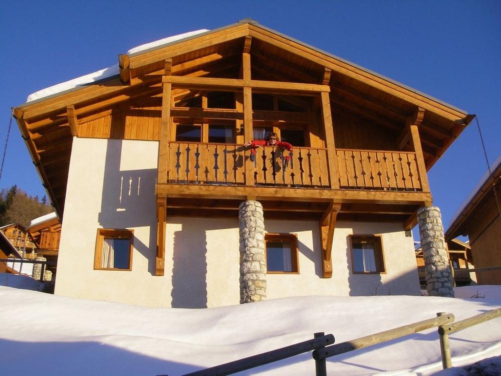 Luxury Alpine Chalet in Vallandry, Paradiski, French Alps - Superb Balcony Views, Close to Main Ski Lift
