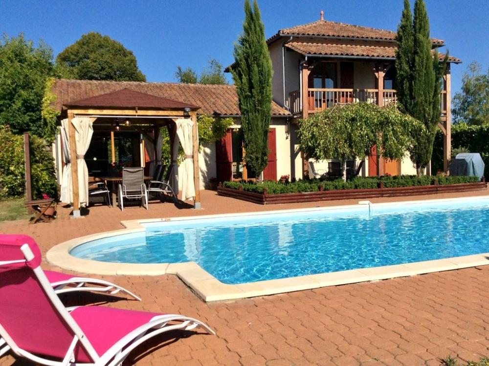 Modern Spacious House With Private Pool in Villetoureix, Near Riberac, Dordogne