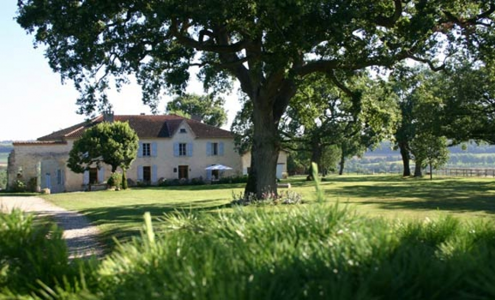 Beautiful Gascon farmhouse with panoramic views, close to lovely 'bastide' village of Monfort - La Queyrouse