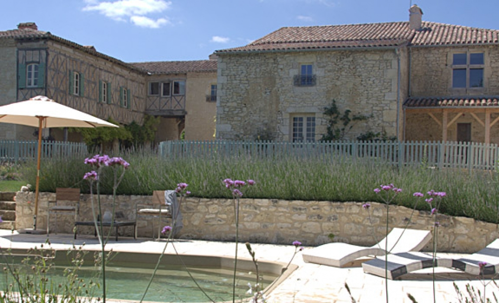 Ancient fortified farmhouse built around a courtyard - Chateau de Puissentut - a Simply Gascony property - Available this winter