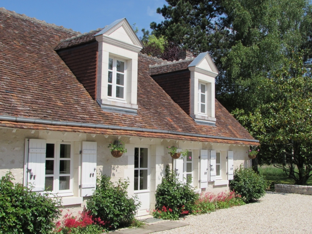 Stylish and Comfortable Stone Cottage in the Heart of the Grand Chateau Area in Central Loire Valley