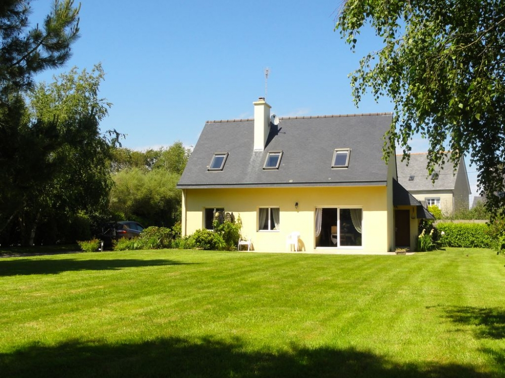4 Bedroom Seaside House located in Southern Brittany, Mousterlin, Fouesnant