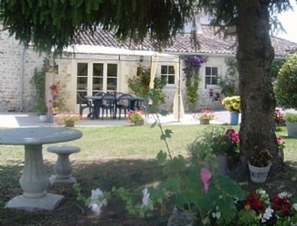 Large House with Private Pool In Beautiful Charentaise Countryside, France