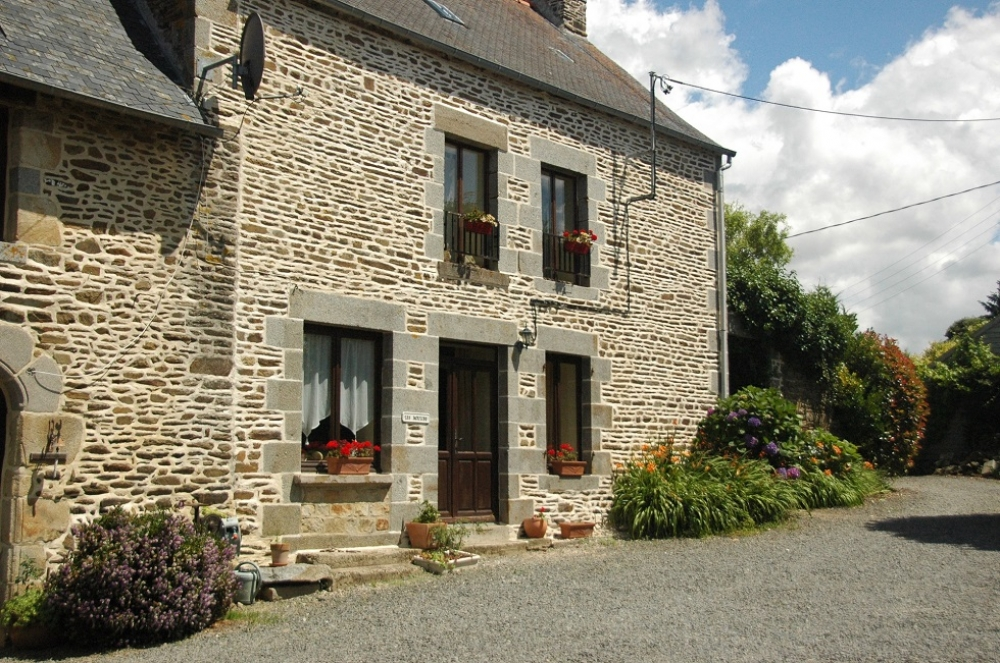 3 Bedroom Holiday Gite with Heated Pool in Saint-Ouen-La-Rouerie, Brittany - Les Moulins