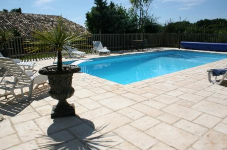 Fabulous Self catering accommodation with pool in Bergerac, South West France