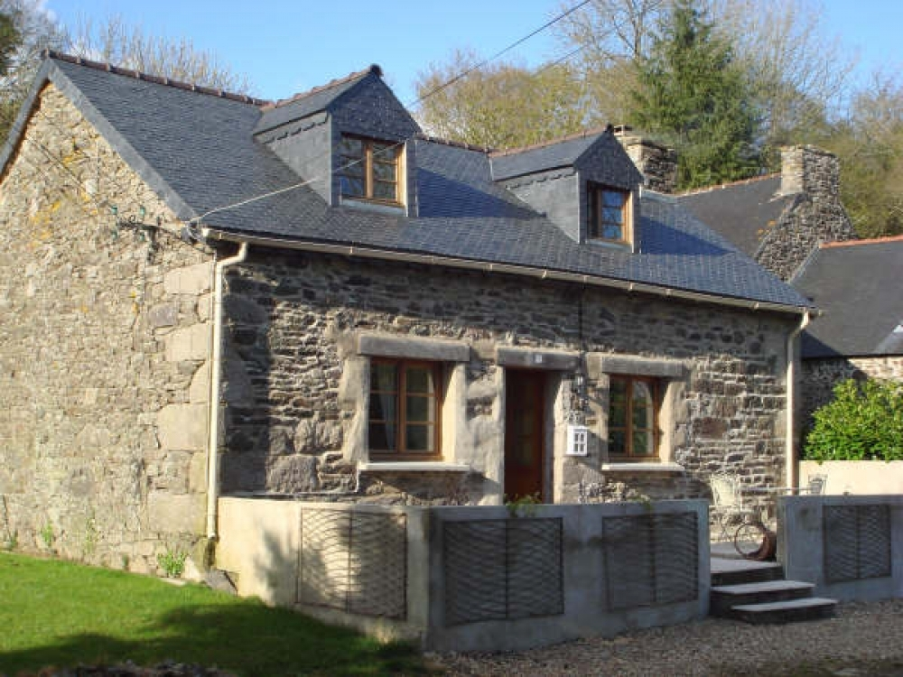 Beautiful Little Holiday Cottage Rental in Kermarc, the Heart of Rural Brittany