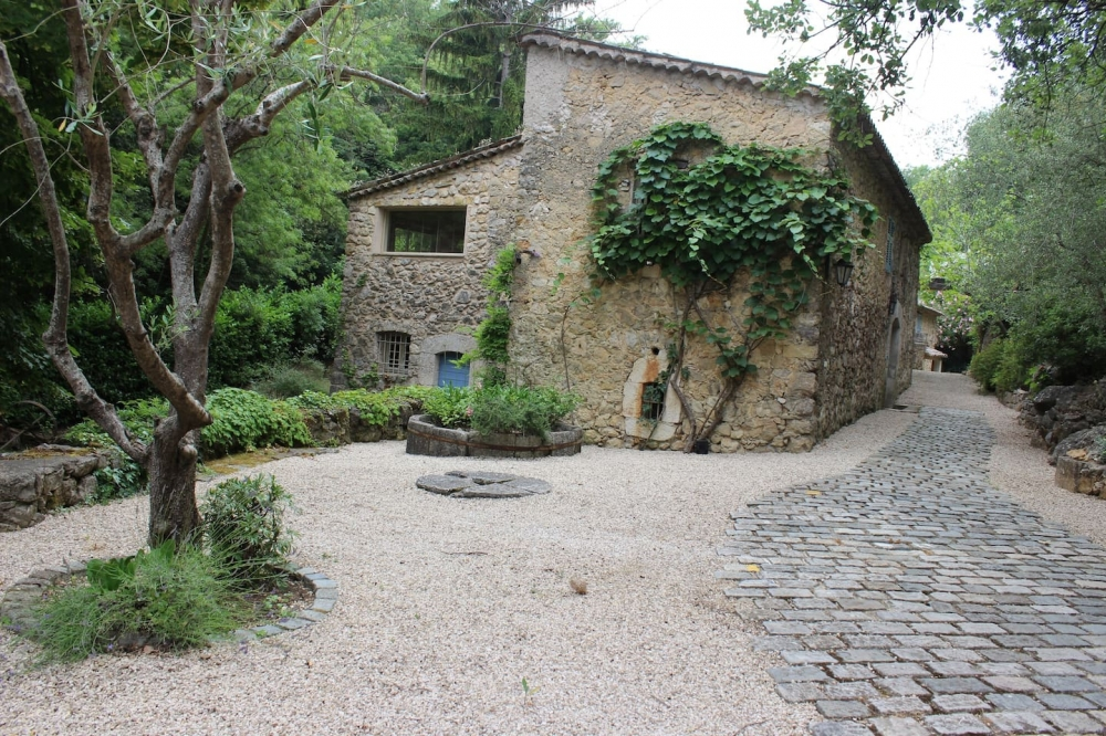 Beautiful Roquefort-les-Pins 16th-century Water Mill with Stunning Views, Provence