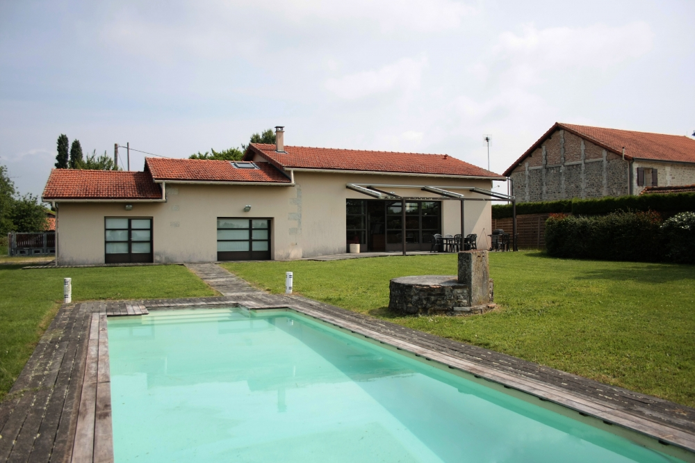 Jourdain Villa with private pool and enclosed garden . 4 bedroom sleeps upto 8 adults and 2 children
