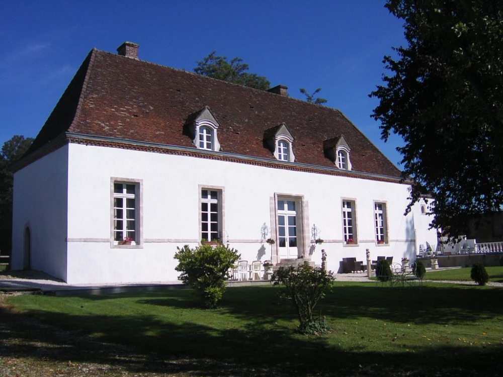 Manor House with Pool in Cote-d`Or, Near Beaune, Burgundy, France