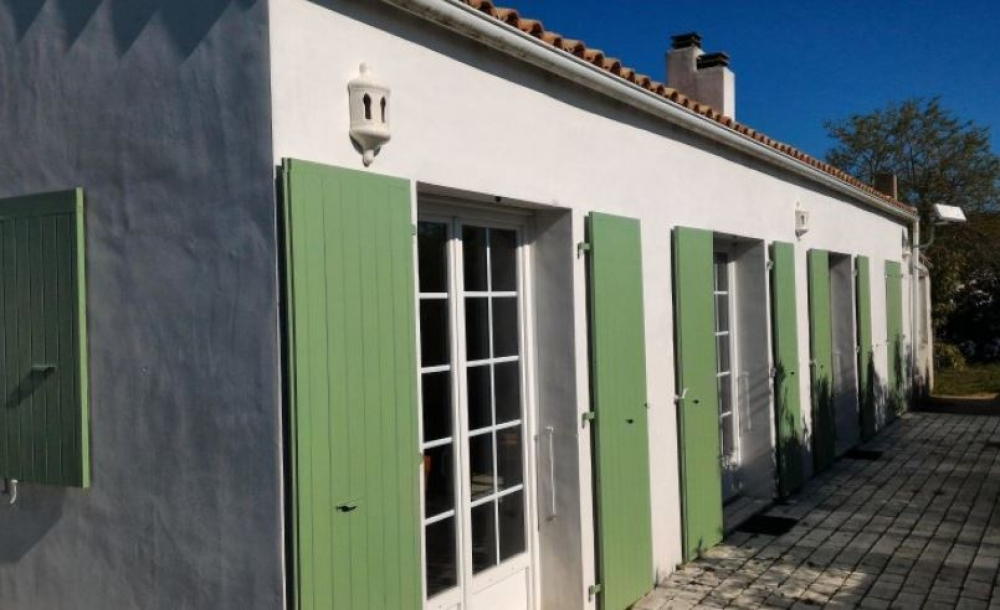 Sainte Marie de Re Holiday House with Large Garden, DVD Player