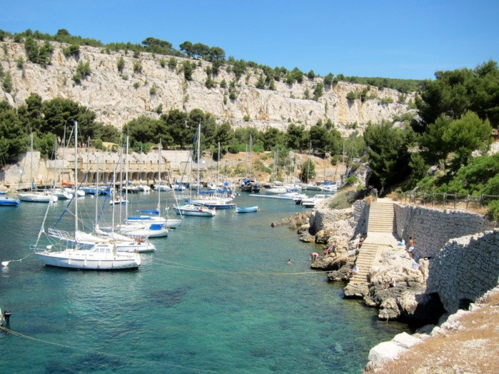 Modern, Spacious and Newly Renovated Apartment in Cassis, Bouches Du Rhones, Provence