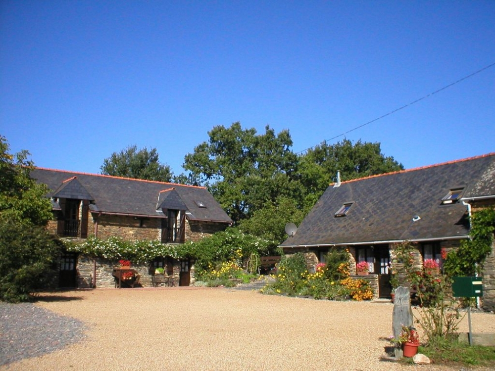Self Catering Brittany Holiday Cottages in Masserac, Loire Atlantique, France - Walnut Cottage