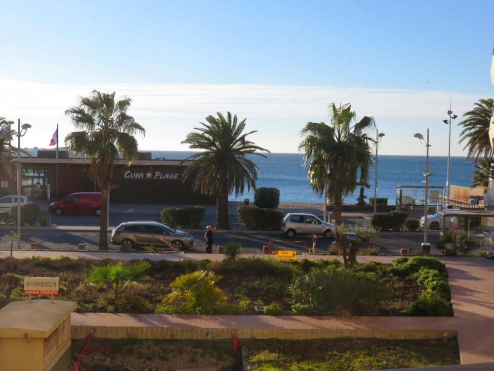 Studio Apartment with Terrace and Sea Views, Frejus Plage, Near Saint-Raphael