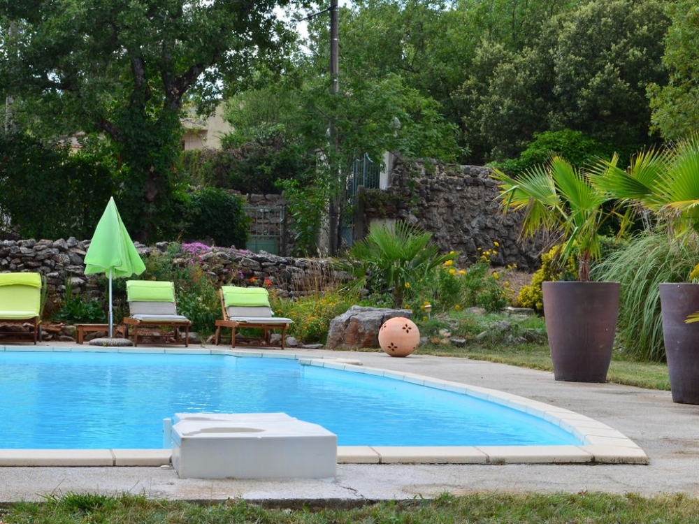 Large Saint-Maximin Holiday Villa with Large Private Pool, Provence