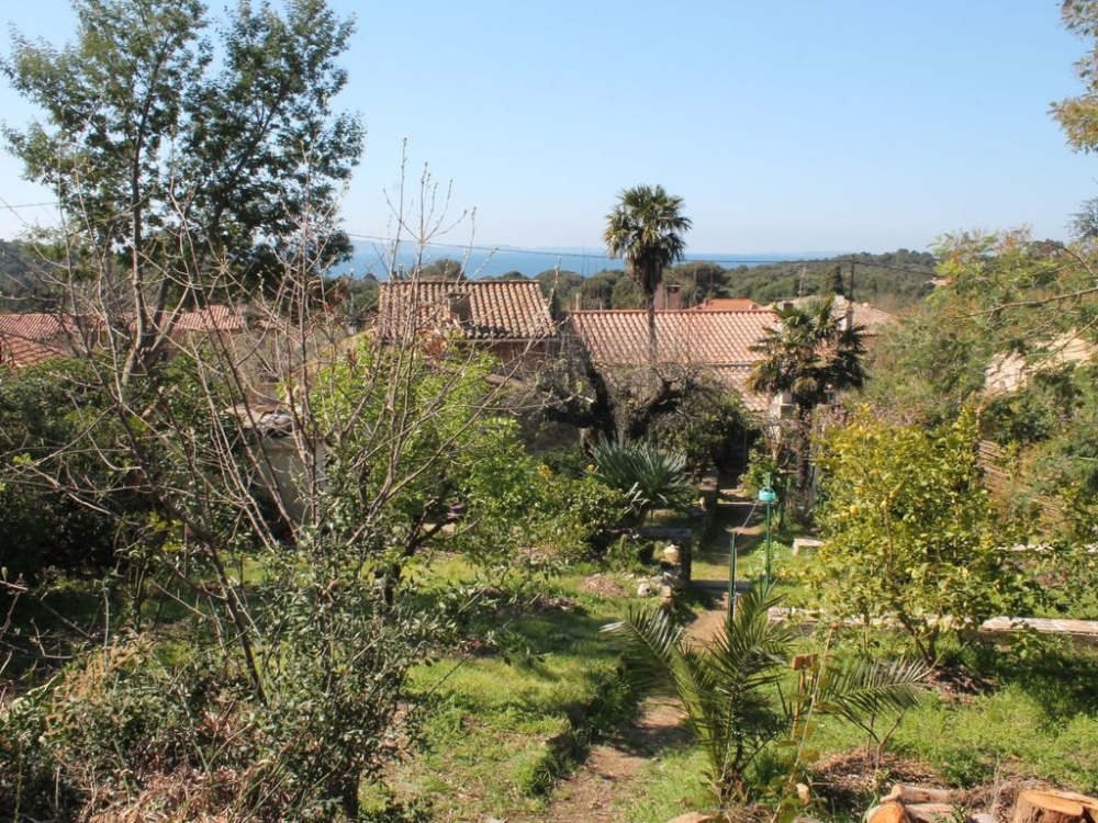 Lovely Holiday Home in Bormes-les-Mimosas, Var, Provence, Close to Fort of Breganon