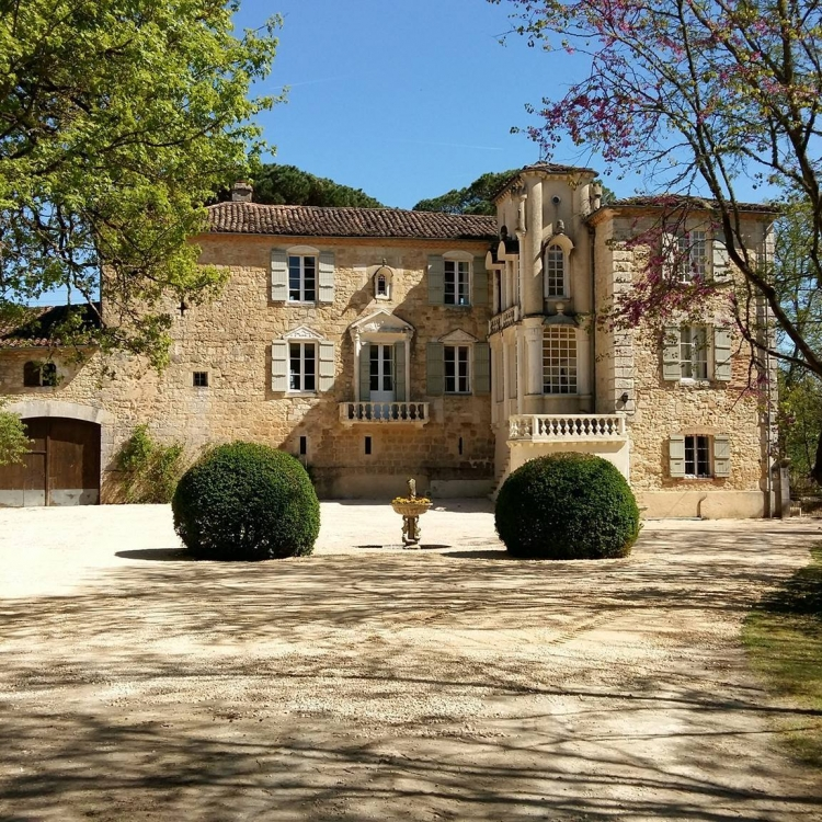Self catering/Gite or Bed and Breakfast on the top floor of a 13th century Gascony Château