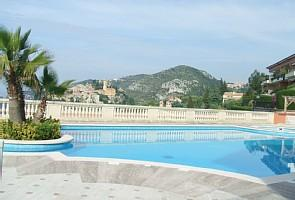 Stunning penthouse holiday apartment with exceptional views of Eze & Cap Ferrat