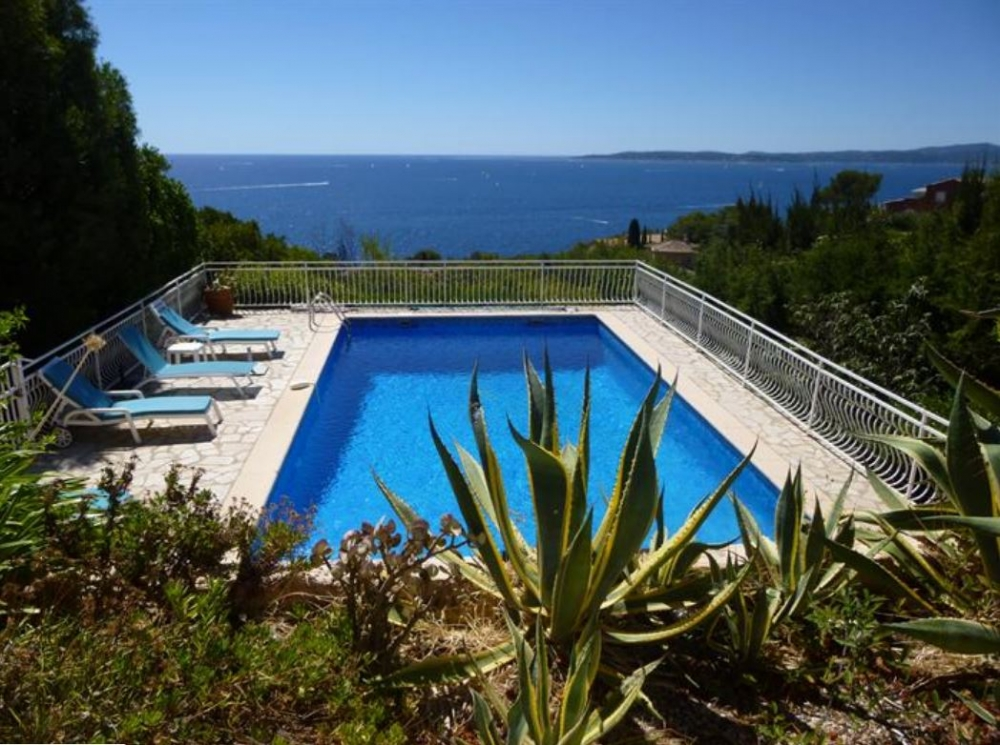 Villa with Large Pool on the French Riviera, View of the bay of Saint-Tropez, Sea walk
