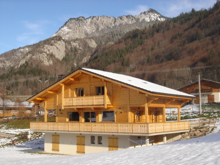 Holiday Ski Chalet in the Portes du Soleil area, France ~ Chalet Le Grande Bleu