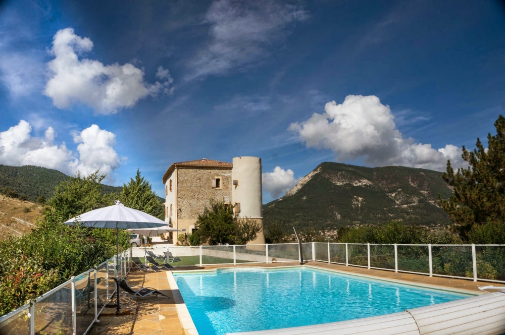 Exclusive Chateau Rental - Luxury Holiday Accommodation in Provence