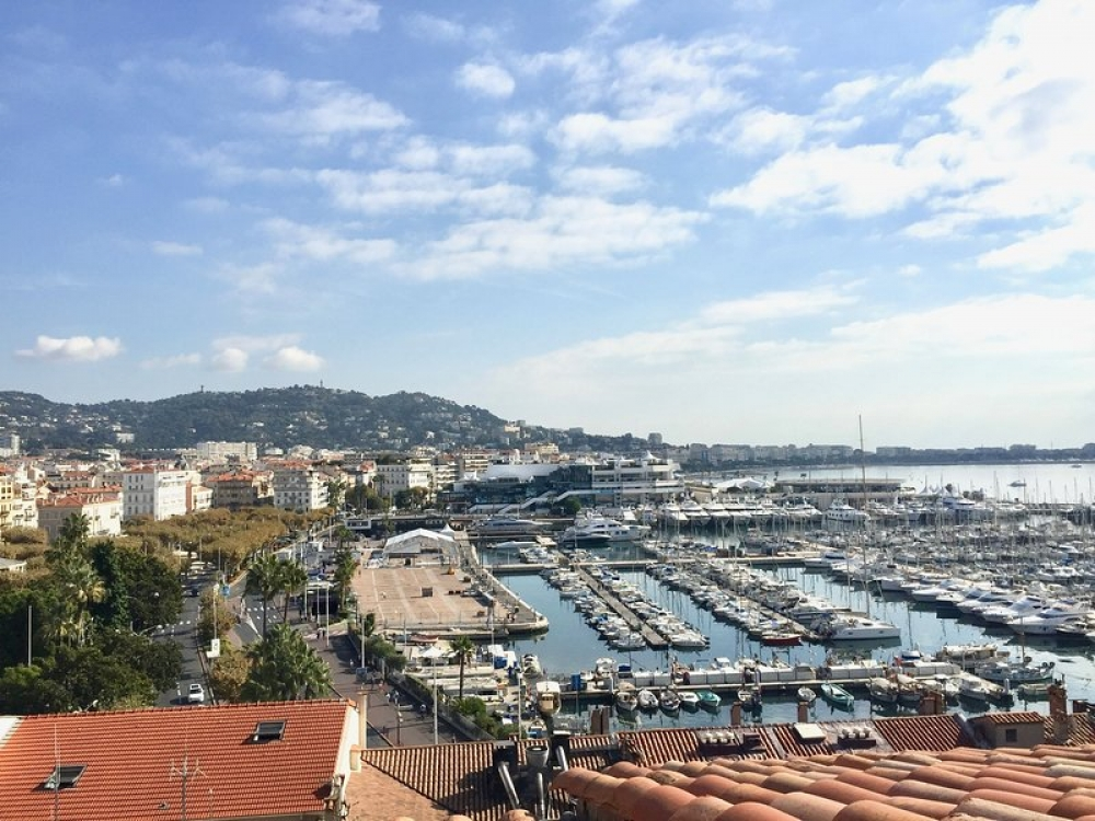 Luxury Apartment In Residence Barri with 360 View Of Cannes