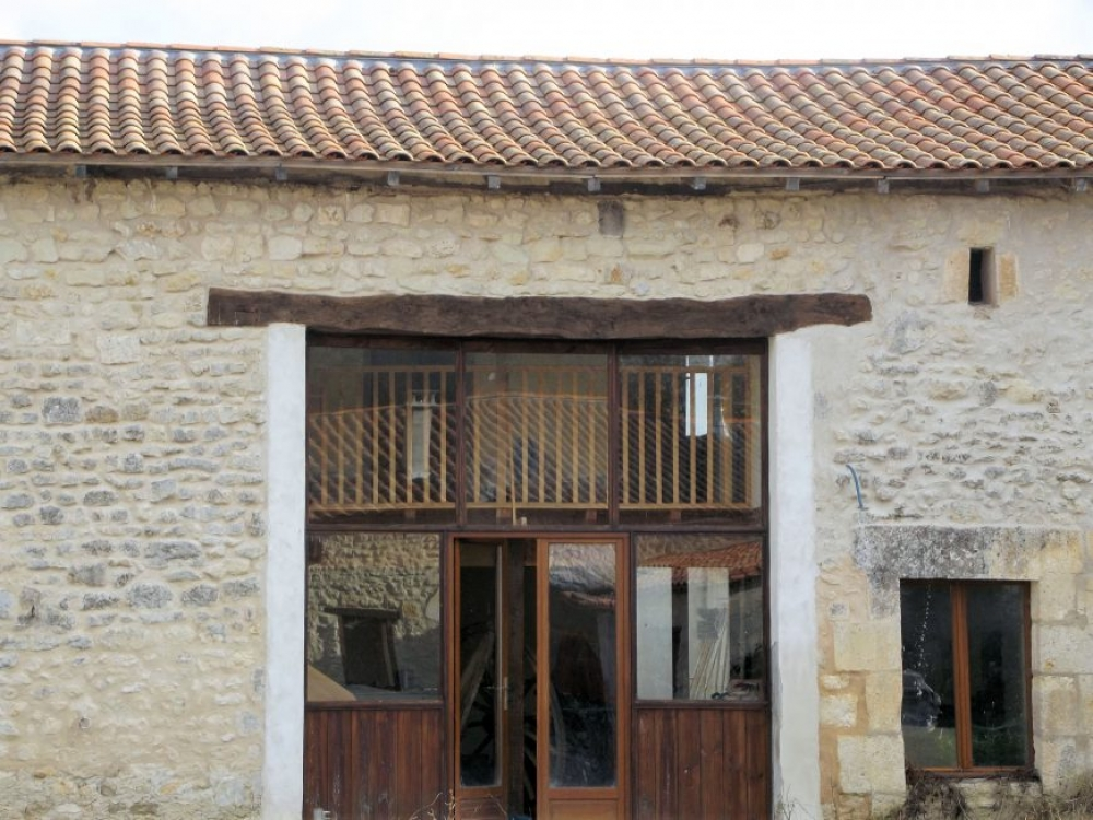 Lovely two bedroom Gite In Champagne-et-Fontaine, Dordogne - Le Faon