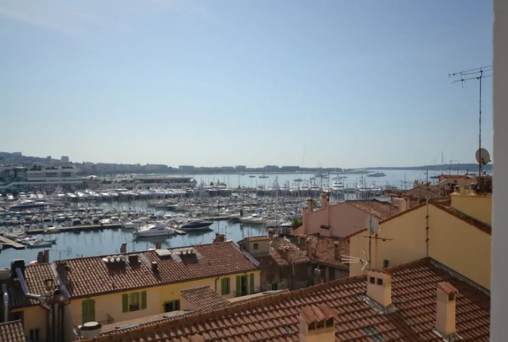 Beautifully Spacious and Modern Apartment in Cannes Centre - Mer 1, Residence Barri