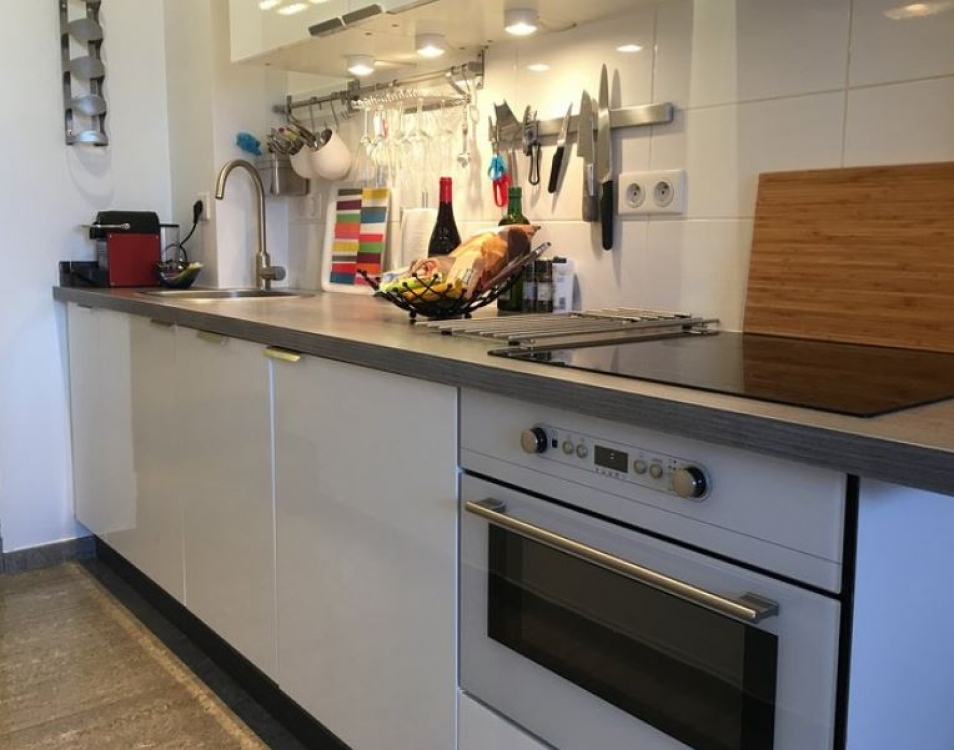 Stylish and Modern Ground Floor Apartment in Central Cannes - Residence Barri, Crabalona