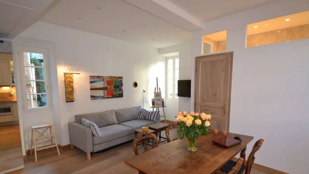 Wonderful Modern and Spacious Apartment in the Heart of Le Suquet, Cannes Old Town - St Antoine