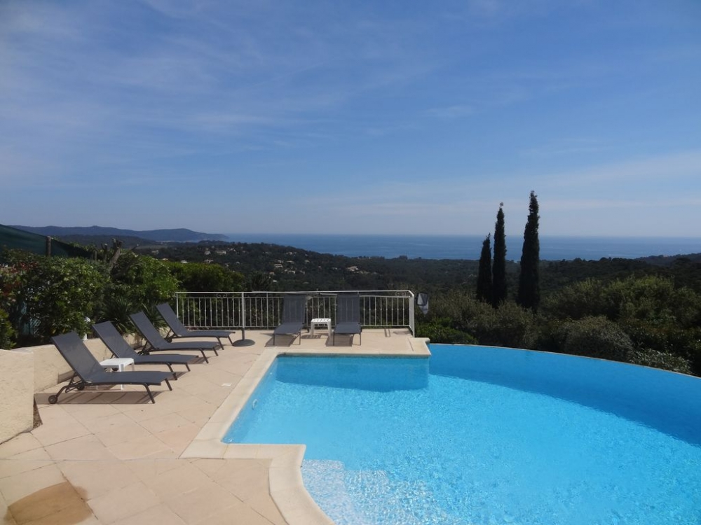 Beautiful St Tropez Villa with Infinity Pool and Sea Views