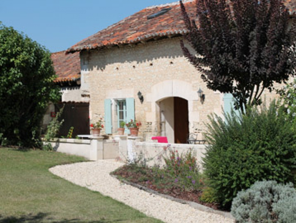 Wonderful Stone Cottage on the Charente/Dordogne border, Le Manoir de Longeveau - Le Chai