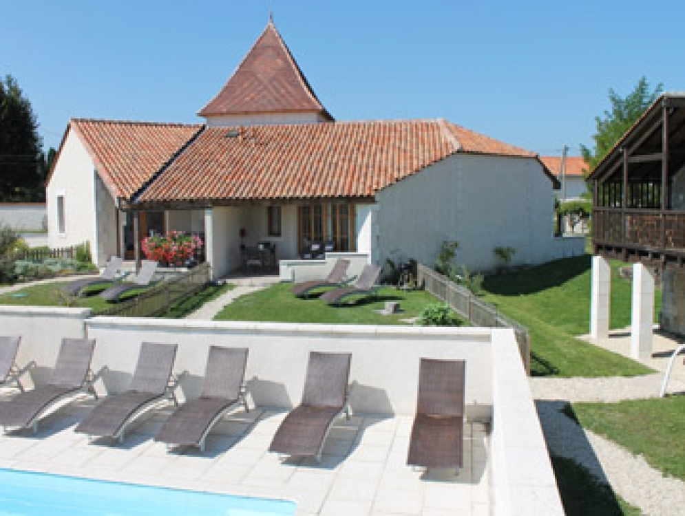 Beautiful Stone Cottage on the Charente/Dordogne border, Le Manoir de Longeveau - Le Cerisier