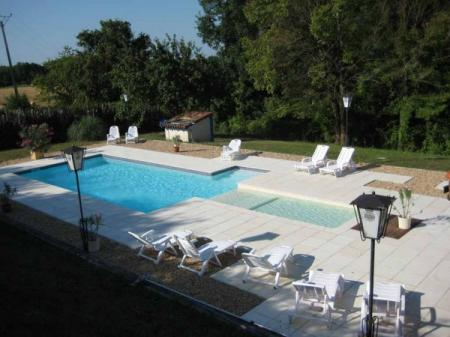 8 Bedroom Dordogne Holiday Property with Pool near Bouteilles St Sebastien, France
